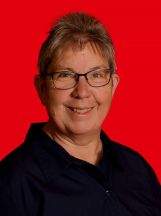 083 Karin Alpers 1920x2560